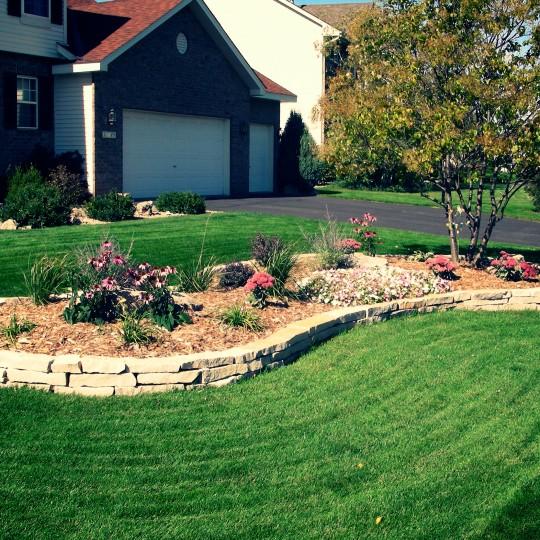garden-perennial-stone-wall-Apple-Valley-mn.jpg