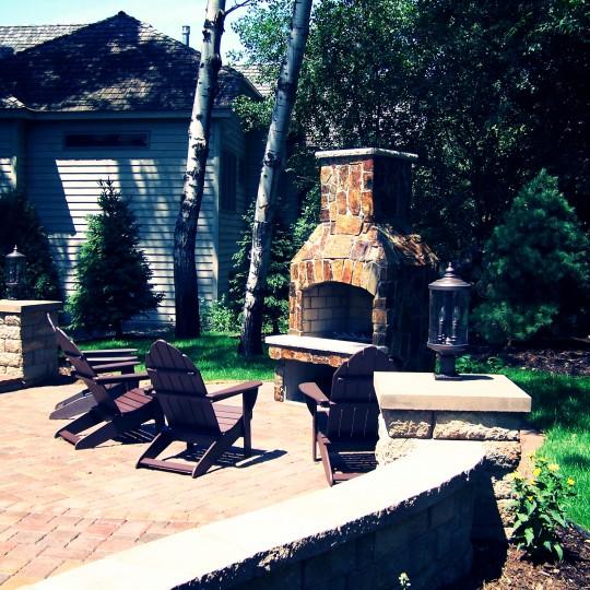 outdoor-fireplace-patio-retaining-wall-edina-mn